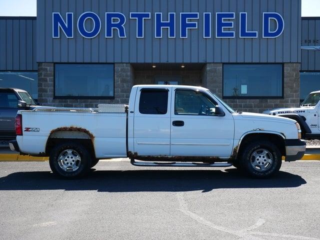 Used 2003 Chevrolet Silverado 1500  with VIN 1GCEK19T03E135814 for sale in Northfield, Minnesota